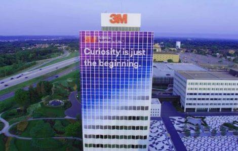 Un immeuble de douze étages en vinyle wrap… Le siège social de 3M a rendu cela possible.